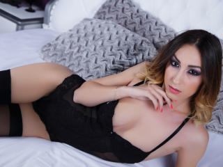 DonnaBellle sexy webcam model