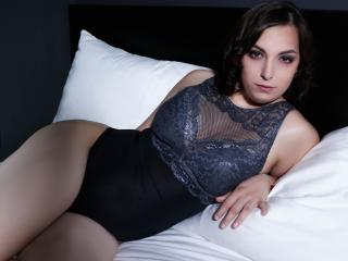 Webcam model AdrianaAnalis from XLoveCam