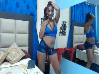 Webcam model AliciaCollins from XLoveCam