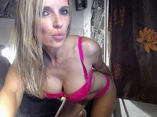 Webcam model VickySexyFr profile picture
