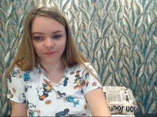 Webcam model ChloeCrave from XLoveCam