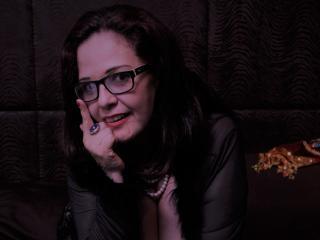 Webcam model DreamHoneyGirlX from XLoveCam
