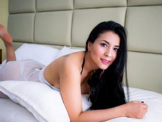 Webcam model HelenSunn from XLoveCam