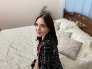 Webcam model ImDrawUrSmile from XLoveCam