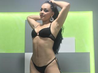 Webcam model JadeMeyer from XLoveCam