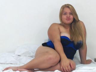 Webcam model KatlynBurbury from XLoveCam