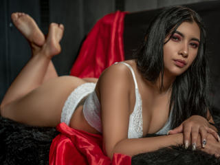 Webcam model LauHotFoxy from XLoveCam