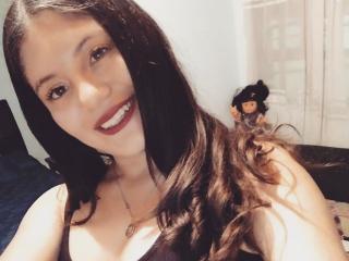Webcam model SamanthaJenner from XLoveCam
