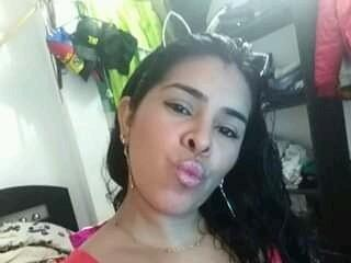 Webcam model SofiiLove from XLoveCam