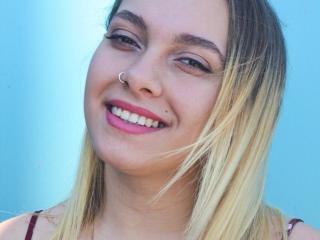 SweetTayna webcam