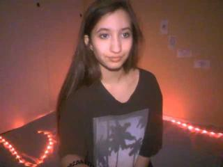 Webcam model SweetXBabe69 from XLoveCam