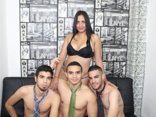 ThreeBoysWithViolet webcam