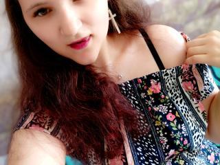 Webcam model WhitneyRae from XLoveCam