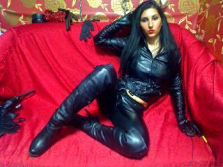 GLOVM LatexExtassy (Female, 28)