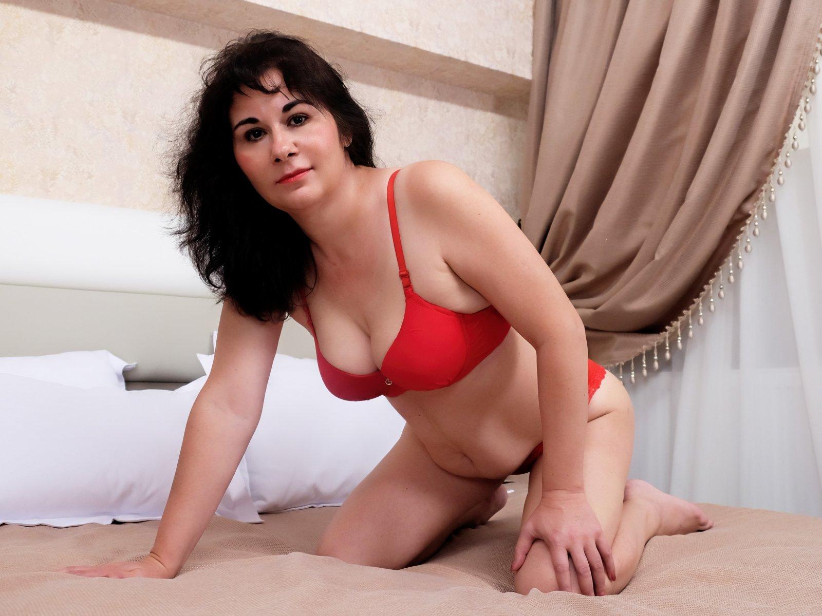 Зрелые самки онлайн, толстую спящую тещу трахают все