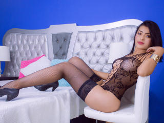 Webcam model LizHoney from XLoveCam