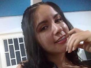 Webcam model AmiraFarah from XLoveCam