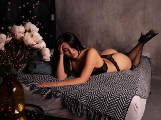 Webcam model KarinaJ from XLoveCam