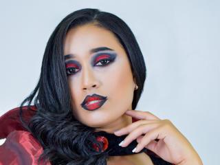 Webcam model SiaraMorris from XLoveCam