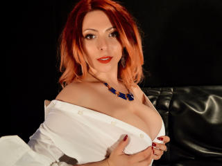 HeavenlyBeauty - chat online exciting with this shaved intimate parts Girl